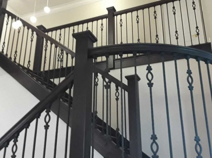 treads-risers-banister-metal-balusters-wood-posts-wood-handrail-remodel-stairs